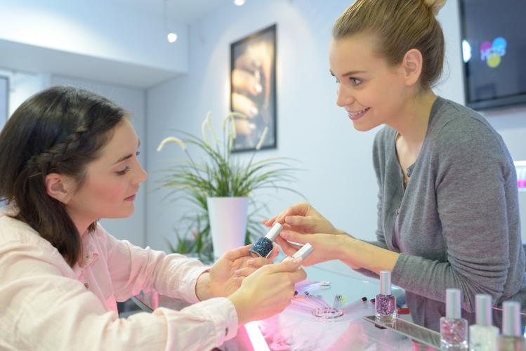 Emploi de formatrice en parfumerie
