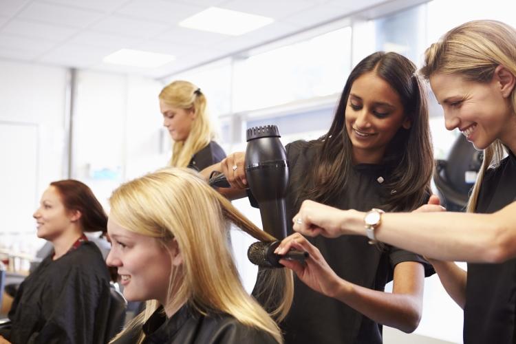 Les différents diplômes de la coiffure