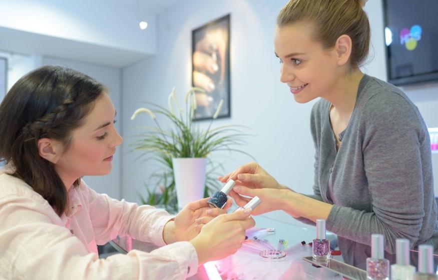 L'emploi et le recrutement d'une formatrice en parfumerie