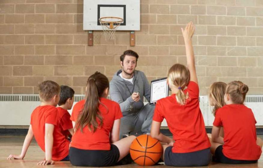 L'emploi et le recrutement de professeur d'EPS et de gymnastique
